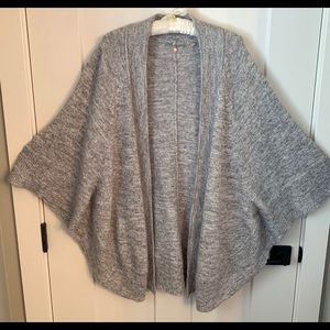 Anthro Knitted & Knotted cotton/alpaca blend shrug